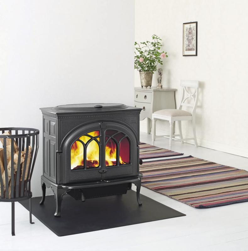 jotul gamme classique traditionnelle chemin es po les. Black Bedroom Furniture Sets. Home Design Ideas